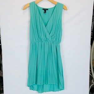 ~Forever21~ Turquoise Pleated, lined dress.